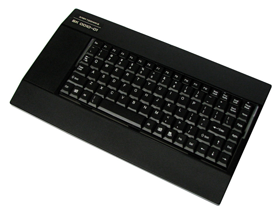 IMG_2232_BK0010-01_PS2_KEYBOARD_DS-9821_X960_.JPG